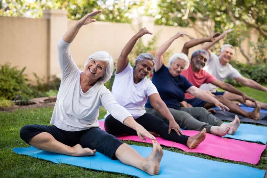Hay que hacer ejercicio físico para mantenerse saludables, conservar durante mayor tiempo su nivel de independencia, poder realizar actividades de la vida diaria sin alguna limitante.